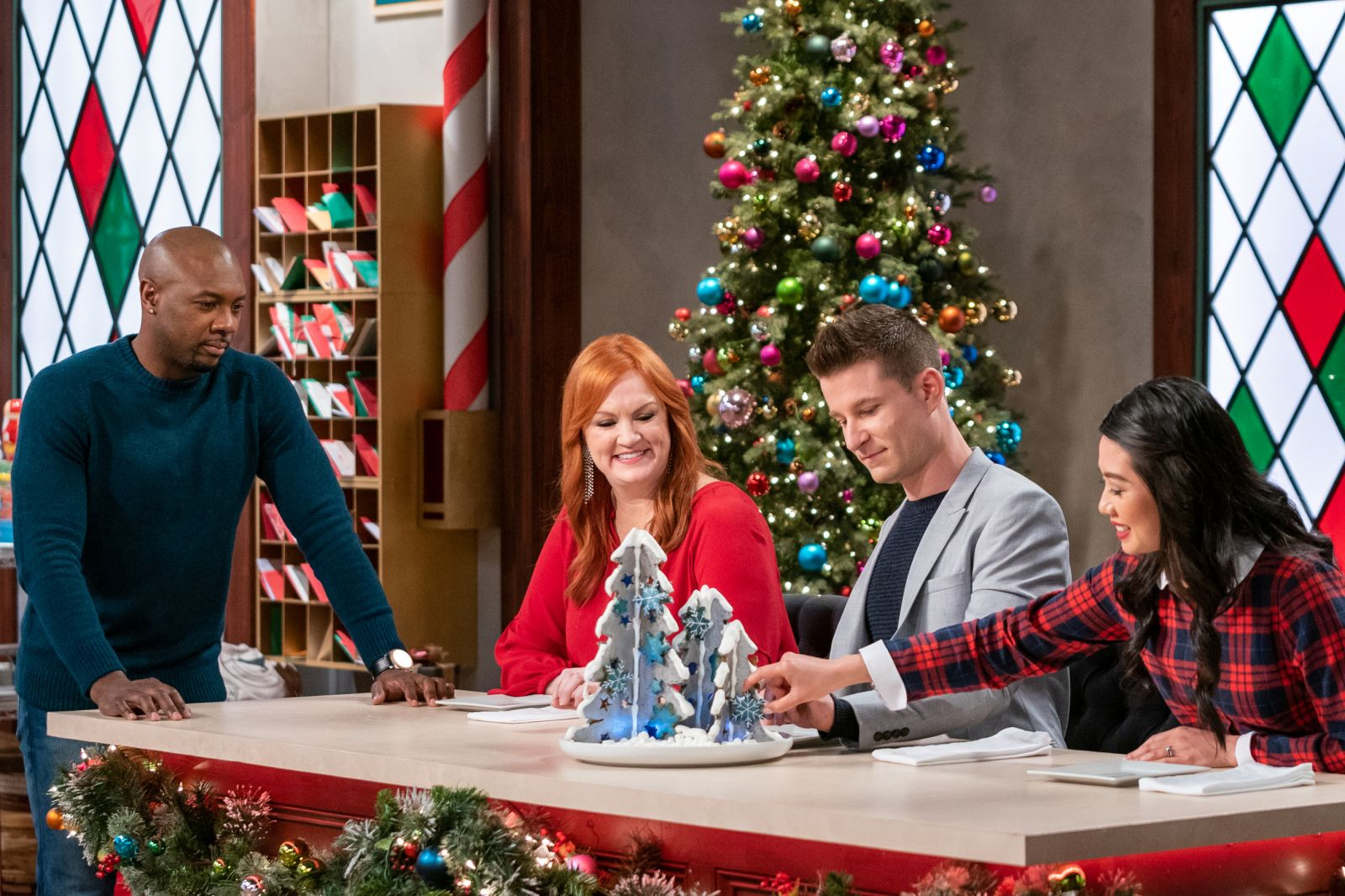 Christmas Cookie Challenge 2021 Judges Where Is Christmas Cookie Challenge Filmed Tv Show Filming Location